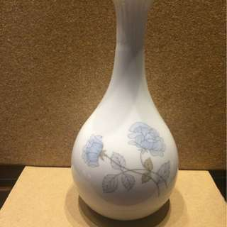 Wedgwood Ice Rose Bud Vase