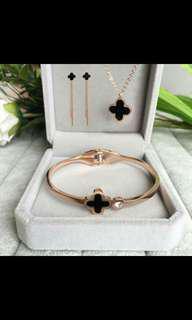 earings , necklace , Bracelet , ring