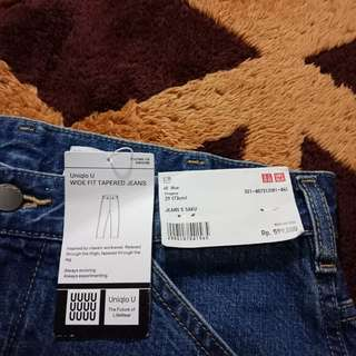 UNIQLO WIDE FIT TAPERED JEANS