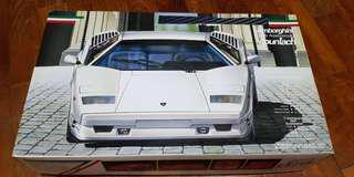 Lamborghini 25th Anniversary Countach Model Kit 1/24