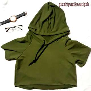 Hoodie Tee in Army green