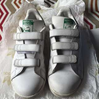 ADIDAS STAN SMITH for boys size us2.5/uk2/fr34/jp210/chn210