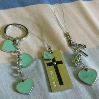 🚚 [INSTOCKS] Lovers Keyring/Hp Strap