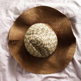 Beach Straw Hat 2