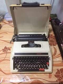 Nakuru 213 Typewriter