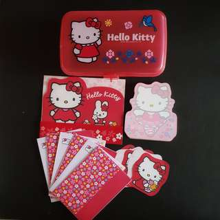 HELLO KITTY Stationary Set and Case