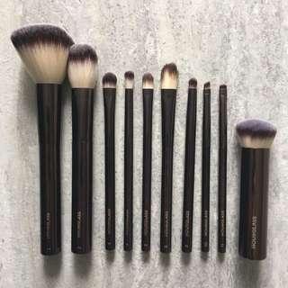 (6折)Hourglass Brush 化妝掃