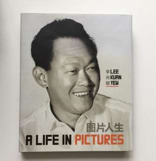 Lee Kuan Yew : A life in pictures.