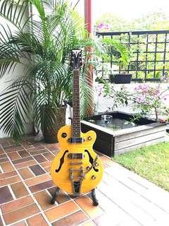 GORGEOUS Epiphone Wildkat Mint condition professionally setup electric guitar