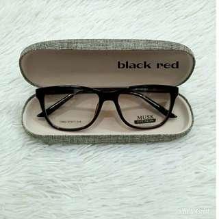 Musk eyewear