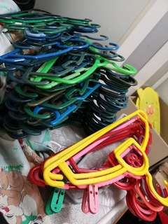 Bundles of hangers (20pcs)
