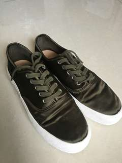 Pull&Bear Shoes. Size 39 to 40