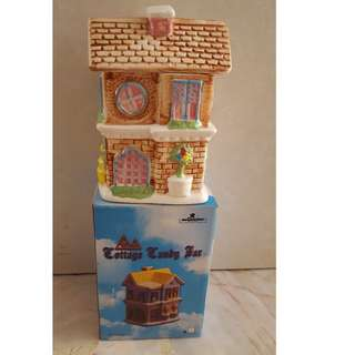 BRAND NEW CERAMIC CANDY HOUSE STORAGE CONTAINER SELLING AT CHEAP PRICE!!