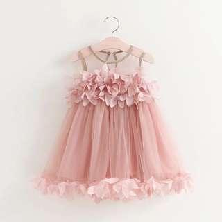 🚚 [二手]女童公主上衣 2018夏裝新款 兒童網紗背心 立體花瓣無袖背心(120cm)