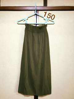 🚚 百摺長裙 / 深綠色 /薄滑質感/氣質裙/附腰帶
