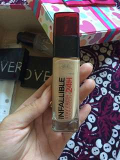 Infallible stay frash 24h foundation