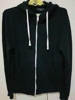 Black jacket / hoodie