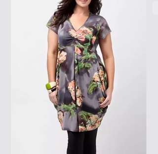 TS Taking Shape sz M/AU20 grey women floral dress plus size wedding party event
