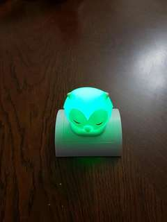 Color changing owl light