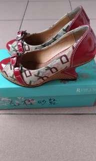 🚚 非Dodoma Desire 紅色高跟楔型鞋