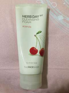 The face shop Herb Day Cleansing Foam (acerola)