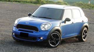 2010年 MINI  COUNTRY MAN