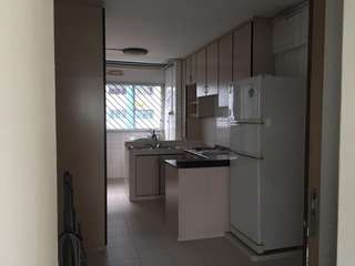 4Rm Whole unit for rent @ 147 serangoon