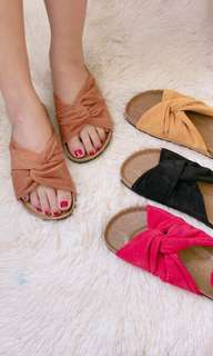 Twisted satin flats(PRE-ORDER)