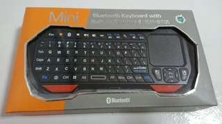 🚚 Mini Bluetooth Keyboard with Built-in TouchPad (IS-BT05)