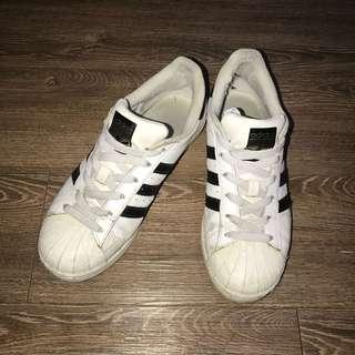 🚚 adidas 白色金標