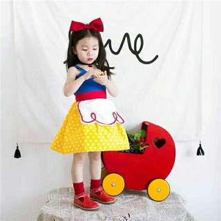 *FREE DELIVERY to WM only / Ready stock* Kids snow white dress set with headband each size 90 130 as shown in design/color. Free delivery is applied for this item.