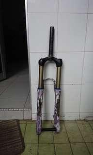 Manitou fork 150mm travel