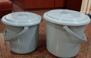 Plastic pails with covers(for food)