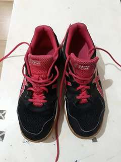 BUY 1 TAKE 1 FREE (2nd Hand) Women's Volleyball Playing Shoes