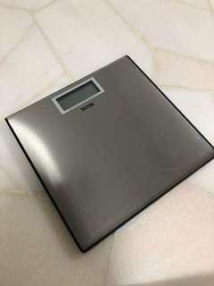 Tanita weighting scale