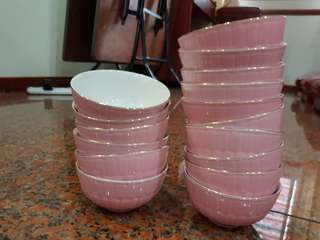 15 Pink ceramic bowls