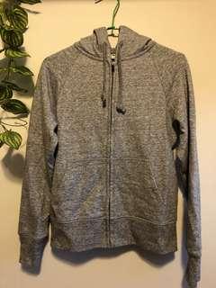 🚚 全新 Uniqlo 灰色外套