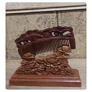 🚚 黃楊木 黑檀 一體成型 木雕梳 全新