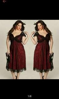 Plus Size Women Sleeveless Lace Long Formal Dress (Ships in 7-12days)