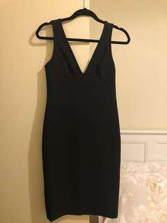 White Suede little black dress, sz8au, slim fit, ideal for evening party.