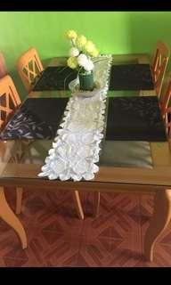 Rush sale!!! Dining set w/ 4 seats