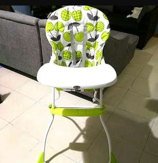Apruva high chair