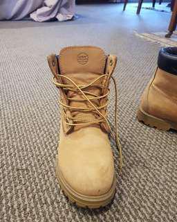 Greyder boots