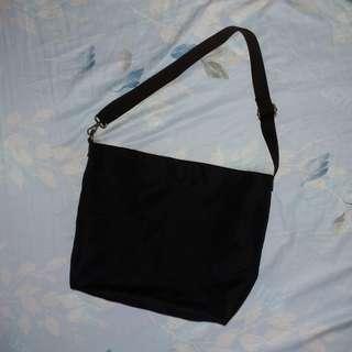 🚚 黑色帆布包側背包 黑色側背帆布袋帆布包