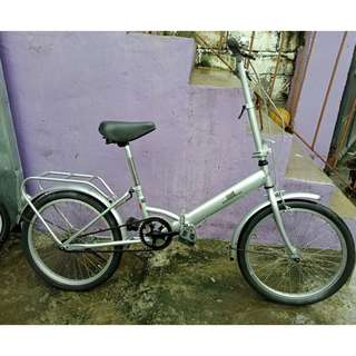 RIFF FOLDING BIKE (FREE DELIVERY AND NEGOTIABLE!)