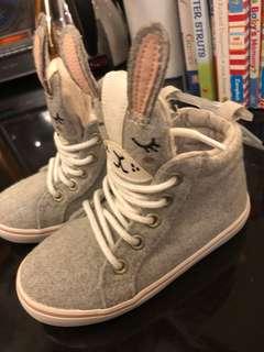 Bunny Boots keren banget (new with tag, belum pernah dipakai)
