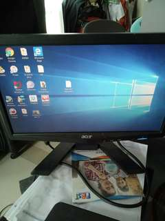 Monitor acer x163wl wide screen 16 inch