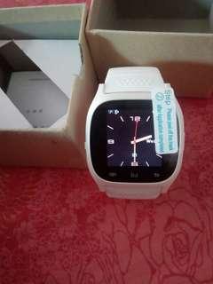 Smart watch 100% new.