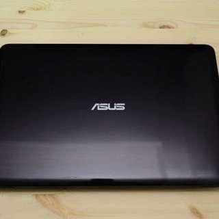 ASUS X556U (I5cpu獨顯)