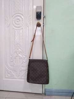 Louis Vuitton Body Bag Authentic Original